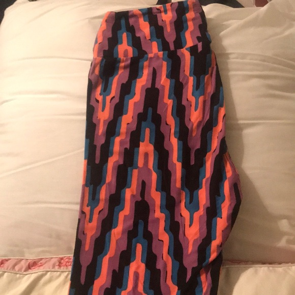 LuLaRoe Pants - One size leggings